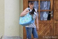 FOTO – Luxusní prostorná kabelka/taška na psy z kolekce Urban Pup, řada Summer Rose. Doporučená maximální váha psa 8 kg.