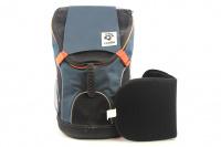 Batoh na psa s nosností 8 kg. Polstrovaná zádní strana, pevné skořepinové dno, hrudní pás pro rozložení váhy, vyjímatelná podložka. Barva modro-černá. (4)
