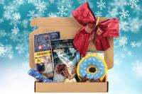 Cherryn Vánoční box pro malé psy s pamlsky a hračkami dle výběru – verze pro kluky i holky. Včetně sváteční mašle. (3)