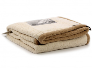 Měkoučká plyšová deka pro psy TALL TAILS ochrání vaši sedačku, křeslo, potahy v autě a další citlivé povrchy před poškrábáním a znečištěním. Rozměry deky 102 × 152 cm, oboustranná.