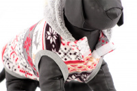 Stylový flísový svetr pro psy se svátečním motivem. Svetr je elastický a snadno se přizpůsobí každému obvodu hrudníku, tři velikosti na výběr. (7)