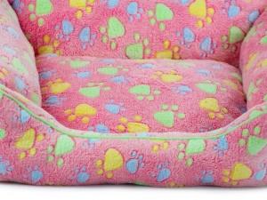 Luxusní růžový pelíšek pro psy od FMD vhodný pro malá až střední plemena (detail)