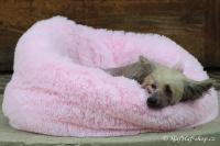 FOTO – Huňatý pelíšek pro psy i kočky od I LOVE PETS – měkké bočnice, vyjímatelný polštář, materiál luxusní soft fleece s dlouhým vlasem, růžový (2).