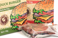 Masová pochoutka pro psy od HUHUBAMBOO – kachní hamburgery. (2)