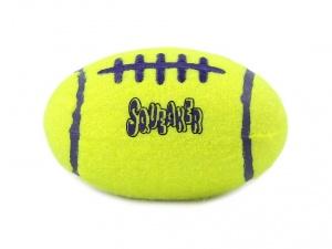 Pískací hračka pro psy KONG Air Dog ve tvaru rugbyového míče