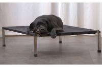 Luxusní nerezové lehátko pro psy vhodné pro vnitřní i venkovní použití. Vysoce precizní provedení z nejkvalitnějších materálů, certifikováno TÜV SÜD Czech.