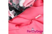 Obleček pro fenky – teplý zimní overal BLACK & PINK od ForMyDogs z voduodpuzujícího materiálu s hedvábnou podšívkou. Zapínání na druky na bříšku (2).