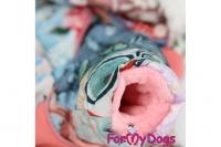 Obleček pro fenky – teplý zimní overal PATCHWORK od ForMyDogs. Vylepšené zapínání na zádech, odnímatelná kapuce, rukávy s vnitřní manžetou (2).