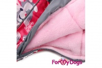 Obleček pro fenky – teplý zimní overal FOX od ForMyDogs. Kožešinová podšívka, vylepšené zapínání na zádech, odnímatelná kapuce, rukávy s vnitřní manžetou (6).