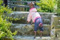 Obleček pro psy i fenky – teplejší overal od For My Dogs s barevným potiskem (2)