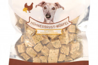 Vynikající pamlsky pro psy – kuřecí kostky s quinou a brokolicí. Pamlsky jsou sušené mrazem pro intenzivní chuť a zachování živin. (2)