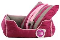 Pohodlný pelíšek pro psy s hračkou od BOBBY. Vyjímatelný polštář, možnost praní v pračce, protiskluzové dno. Barva bordó. (7)