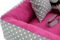 Růžová autosedačka pro psy – pelíšek pro pohodlné cestování a ochranu autosedadel před psími chlupy, nečistotami a poškozením. (9)