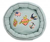 Veselý bavlněný pelíšek pro psy z kolekce For My Dogs vhodný pro malé psy. Barva světle modrá s barevným potiskem, protismykové dno. (3)