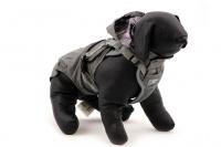 ULTIMATE WEATHER SHIELD je originální nastavitelný postroj pro psy s integrovanou pláštěnkou. Dvě možnosti připevnění vodítka a úchyt pro uchopení psa. (16)