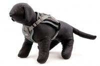 ULTIMATE WEATHER SHIELD je originální nastavitelný postroj pro psy s integrovanou pláštěnkou. Dvě možnosti připevnění vodítka a úchyt pro uchopení psa. (4)