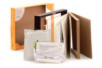 Nástěnný rámeček na otisk tlapky vašich čtyřnohých kamarádů. Sada obsahuje vše potřebné pro pořízení otisku – stačí už jen vložit fotku. Barva rámečku – hnědá. (4)