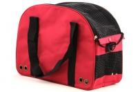 Praktická přepravní taška na psy v precizním provedení a designu BOBBY. Síťovaná vrchní strana, větrací otvory, vyjímatelná podložka. Barva červená (4).