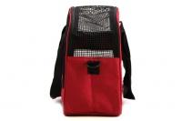 Praktická přepravní taška na psy v precizním provedení a designu BOBBY. Síťovaná vrchní strana, větrací otvory, vyjímatelná podložka. Barva červená (7).