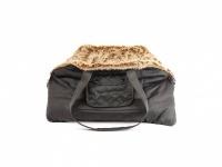 Pohodlná taška na psy a kočky vykládaná měkkou kožešinkou