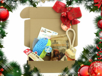 Vánoční box pro psy s vybranými pamlsky a hned dvěma hračkami dle vlastního výběru. Kompletně připravený vánoční dárek – včetně sváteční mašle. (6)