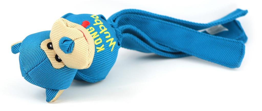 Odolná přetahovací a aportovací hračka pro psy od KONG. Pevný materiál, při stisknutí píská