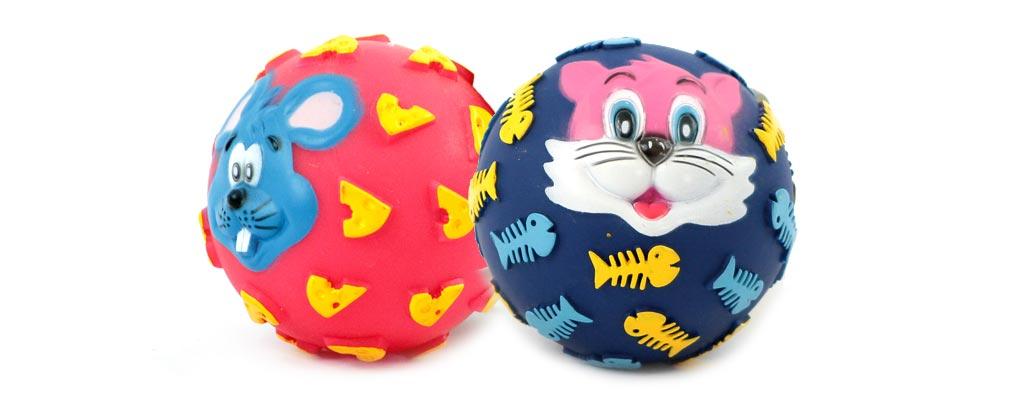 Gumový míček pro psy vydávající legrační zvuk. Průměr míčku 10 cm, mix barev a vzorů