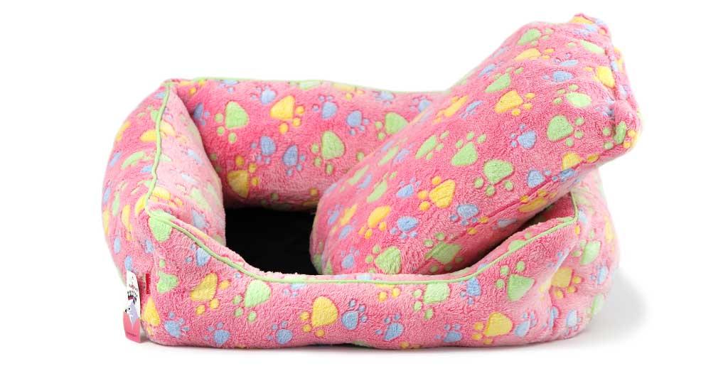 Luxusní růžový pelíšek pro psy od FMD vhodný pro malá až střední plemena